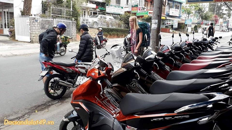 Dịch vụ cho thuê xe máy 4 không đà lạt